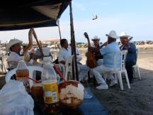 COCOS ON THE BEACH Y SON JAROCHO